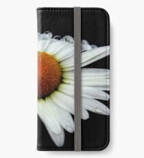 A Simple White Daisy  iPhone Wallet