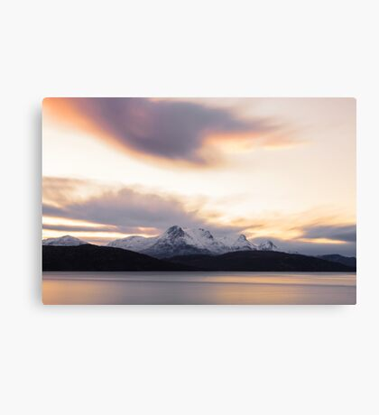 Early light on Ben Loyal Canvas Print