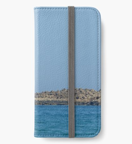 Island rest iPhone Wallet