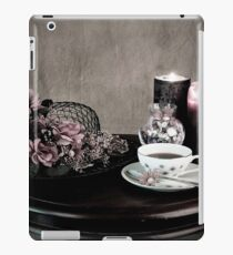Olde Time Tea Party Setting for One iPad Case/Skin
