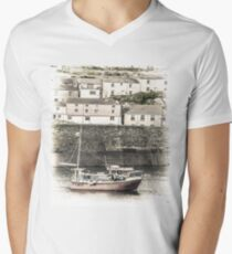 Fishing Boat in Harbour - Cornwall T-Shirt