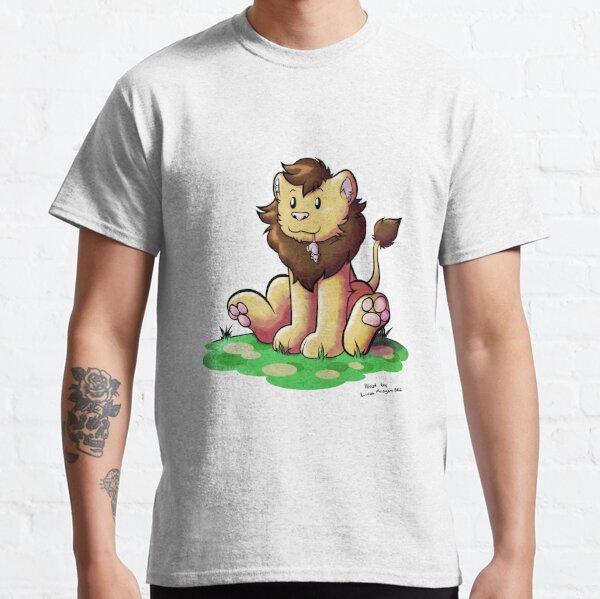 Lion caught a mouse Classic T-Shirt