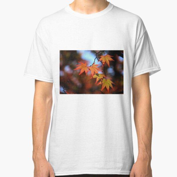 Leaf dance Classic T-Shirt