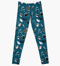 Floral doodle seamless nature pattern print on blue Leggings