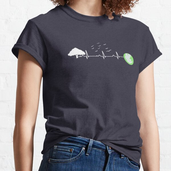 Love our planet = love life Classic T-Shirt
