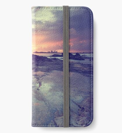 Sunlight is painting iPhone Wallet