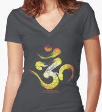 OM : Stillness of MIND Women's Fitted V-Neck T-Shirt