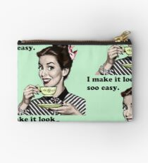 """Retro 'I Make It Look So Easy."""" Housewife Studio Pouch"""