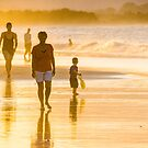 Catching the last rays - Byron Bay  by Clare Colins