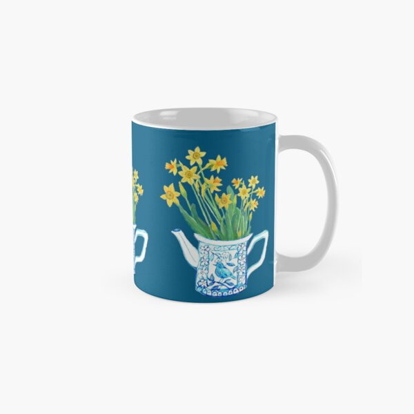 Daffodil watercolor in blue and white teapot Classic Mug
