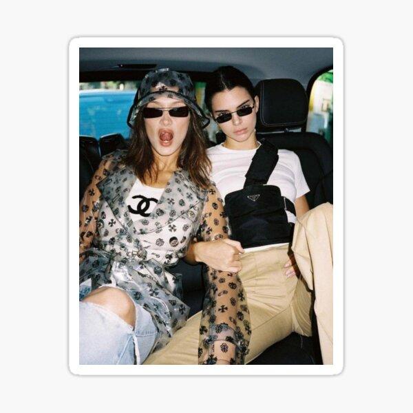 Bella Hadid et Kendall Jenner : best friend Sticker