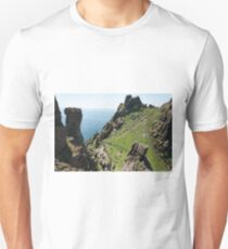 Skellig Michael, UNESCO World Heritage Site, Kerry, Ireland. Star Wars The Force Awakens Scene filmed on this Island. wild atlantic way Unisex T-Shirt