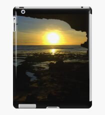 Watching the sun go down iPad Case/Skin