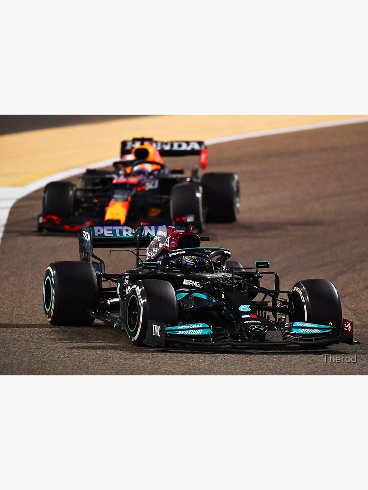 Lewis Hamilton getting hunted by Max Verstappen during the 2021 Bahrein Grand Prix by Therod
