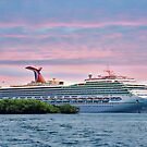Cruise ship on Roatan by Bente Agerup