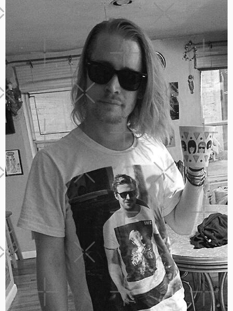 Macaulay Culkin wearing Ryan Gosling wearing Macaulay Culkin shirt | Unisex T-Shirt