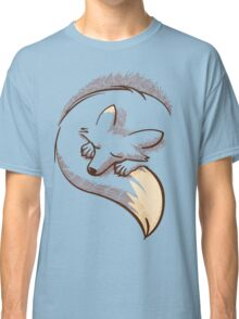 The fox is sleeping Classic T-Shirt
