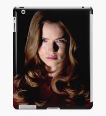 EMMA DUVAL FROM MTV TV SERIES SCREAM  iPad Case/Skin