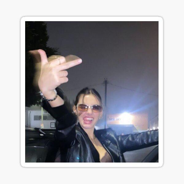 Kendall Jenner : middle finger Sticker