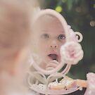 Kleine Dame von Julie Thomas