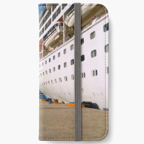 Docking in Cozumel - Grandeur of the Seas iPhone Wallet