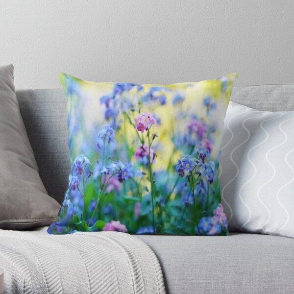 not forget me Throw Pillow