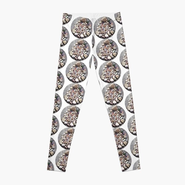 Pretty Stone Circle 2 Leggings