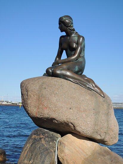 Emotional Depths: The Little Mermaid (Copenhagen) by CreativeEm