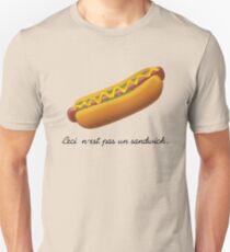 Ceci n'est pas un sandwich. T-Shirt