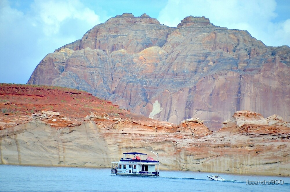Lake Powell in Page, Arizona by lissandra900