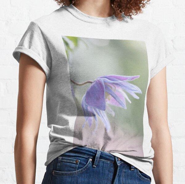 Clematis macropetala Classic T-Shirt