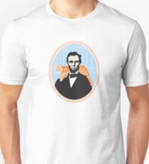 Lincoln was the first president to bring a cat to the white house. T-Shirt