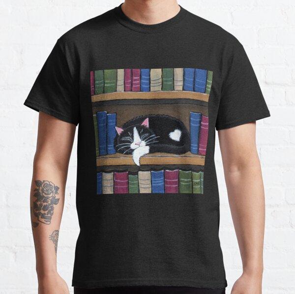 Sleepy Cat on Shelf - Book Love Classic T-Shirt