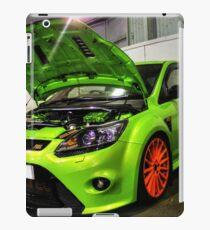 Green Focus in HDR iPad Case/Skin