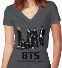 BTS Bangtan Boys Tailliertes T-Shirt mit V-Ausschnitt