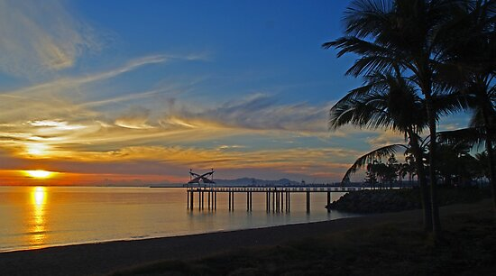 Townsville Sunrise on the Strand by Paul Gilbert