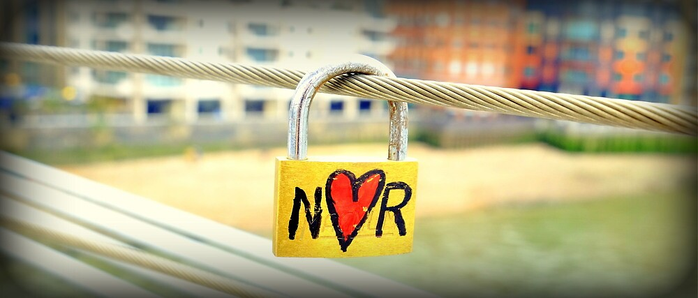 N loves R by mikeosbornphoto
