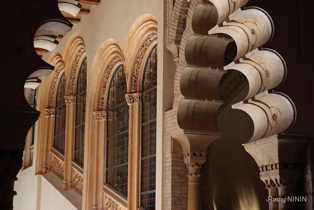 Arches, Palacio de la Aljafería, Zaragoza, Spain by Remy NININ