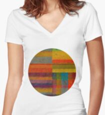Round 4.0 Women's Fitted V-Neck T-Shirt