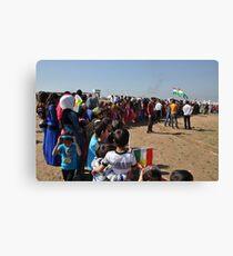A crowd of spectators - Newroz-Qustapa_Syrian Refugee Camp_Arbil-KRG- 21-3-2104 Leinwanddruck