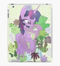Twilight, Spike and Succulents (+ Background) iPad Case/Skin