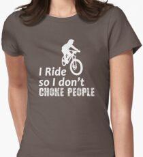 Ich reite, also hocke ich nicht Leute lustige Radfahren, Fahrrad, Mountainbike und BMX Tailliertes T-Shirt für Frauen