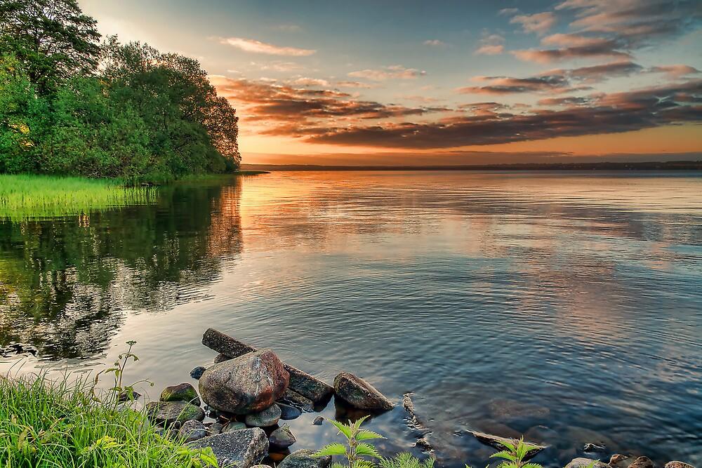Lake Sunrise. by eXparte-se