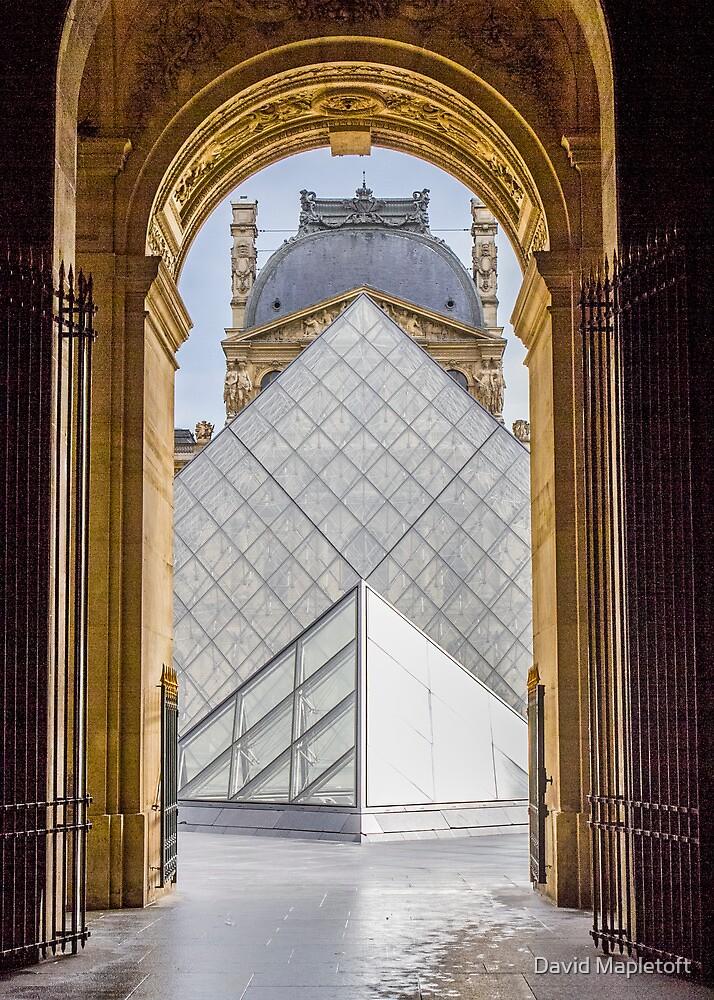 Louvre, Paris by David Mapletoft