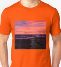 Sunset on River Nieuwe Maas, Rotterdam, (from Euromast) Unisex T-Shirt