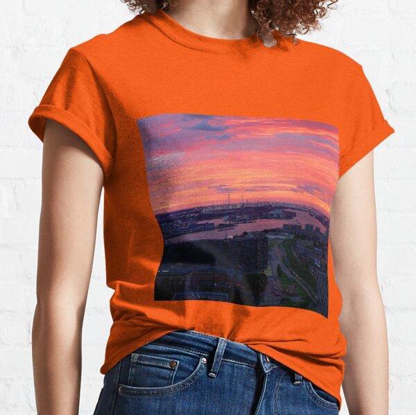 Sunset on River Nieuwe Maas, Rotterdam, (from Euromast) Classic T-Shirt