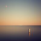 Ship at the horizon by yurybird
