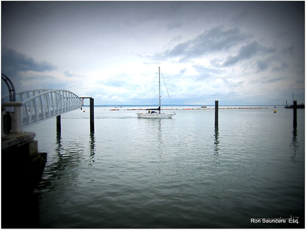 Cloudy and overcast Cowes. by ronsaunders47
