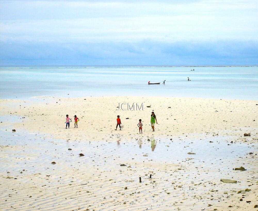 Beachcombers, Mabul Island, Phillipines by JCMM