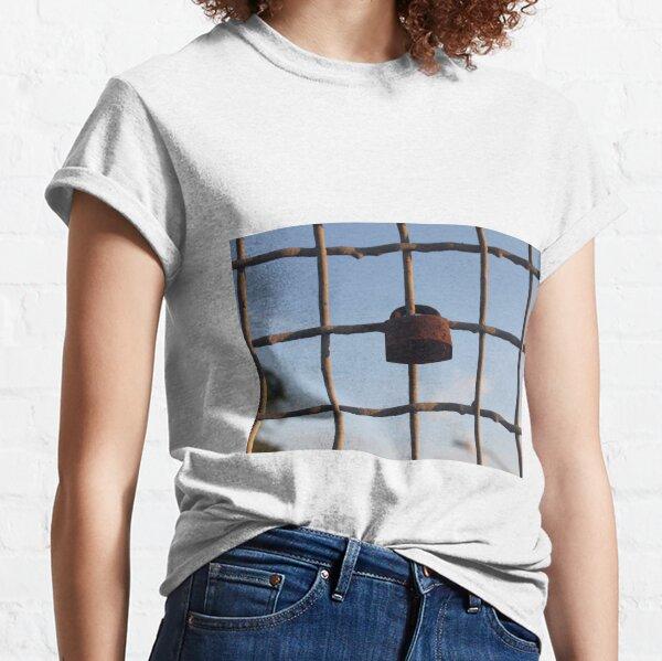 Padlock for luck Classic T-Shirt